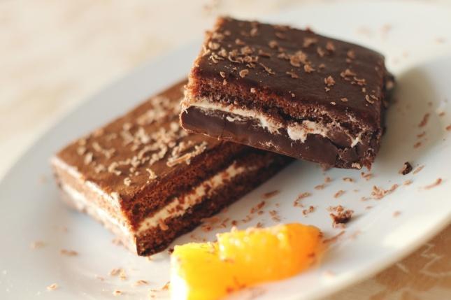 chocolate-dessert-brownies-cake-large